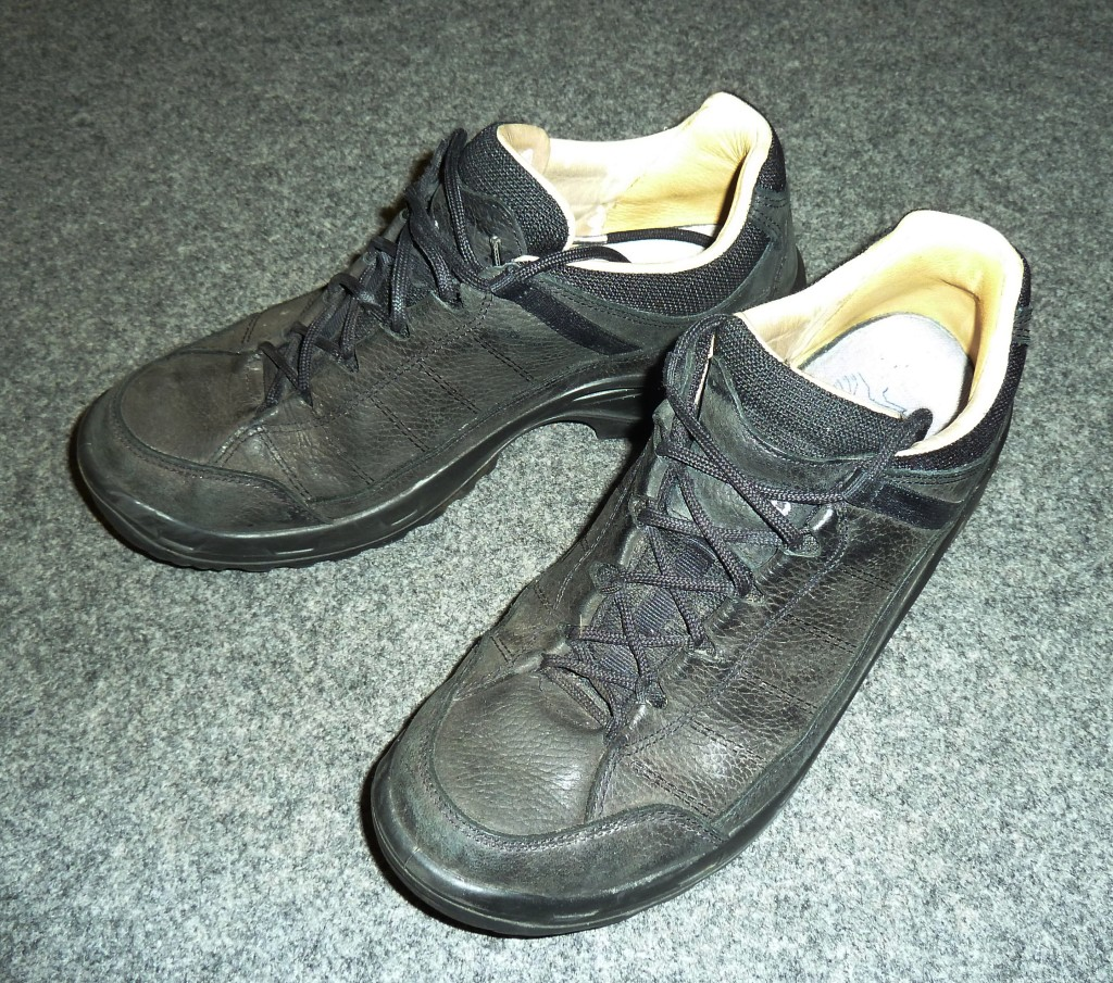 Lowa Schuhe
